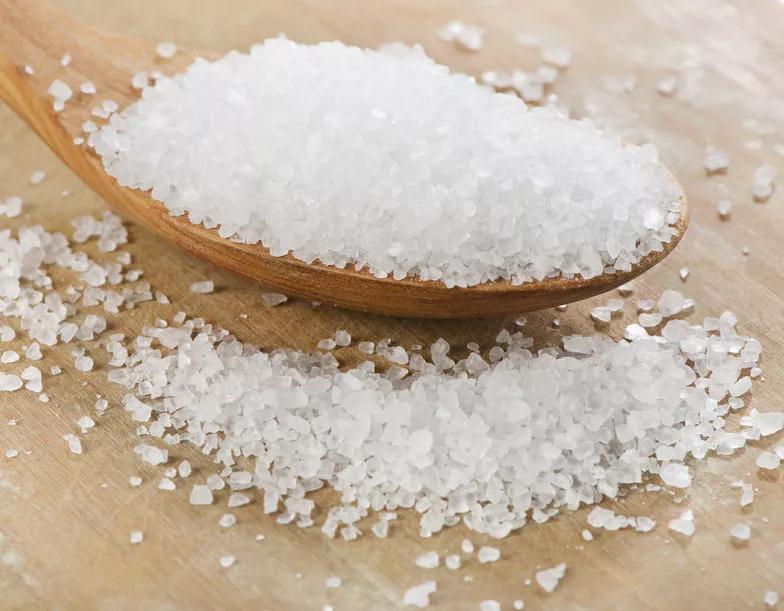 超市的食盐品种多,哪种更适合家庭做饭?食盐,怎么选更健康?