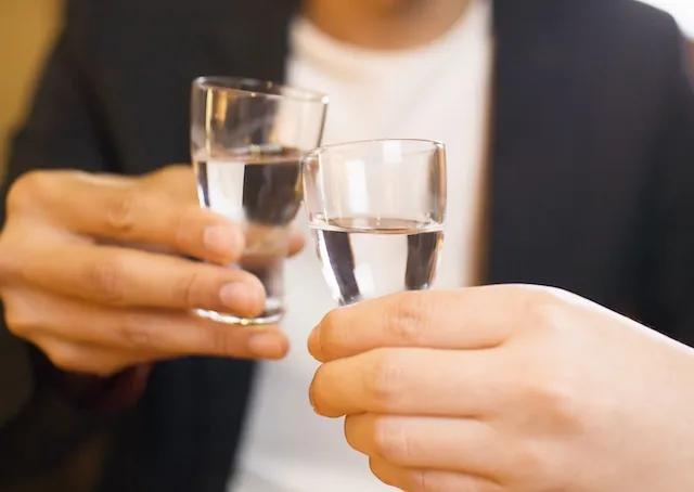 """喝酒能预防新冠、粮食紧缺需抢购、庚子年是灾年……2020的这些""""坑""""你踩过吗? 原创科技日报2020-12-21 12:48:33 科技日报记者 张蕴  2020年,一场突如其来的疫情席卷全球,新冠病"""