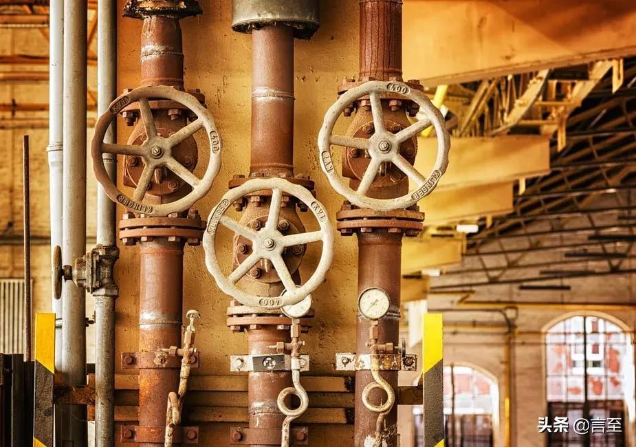 工业企业的黄昏投资企业的正午:云南省企业改革的荆棘与鲜花之三