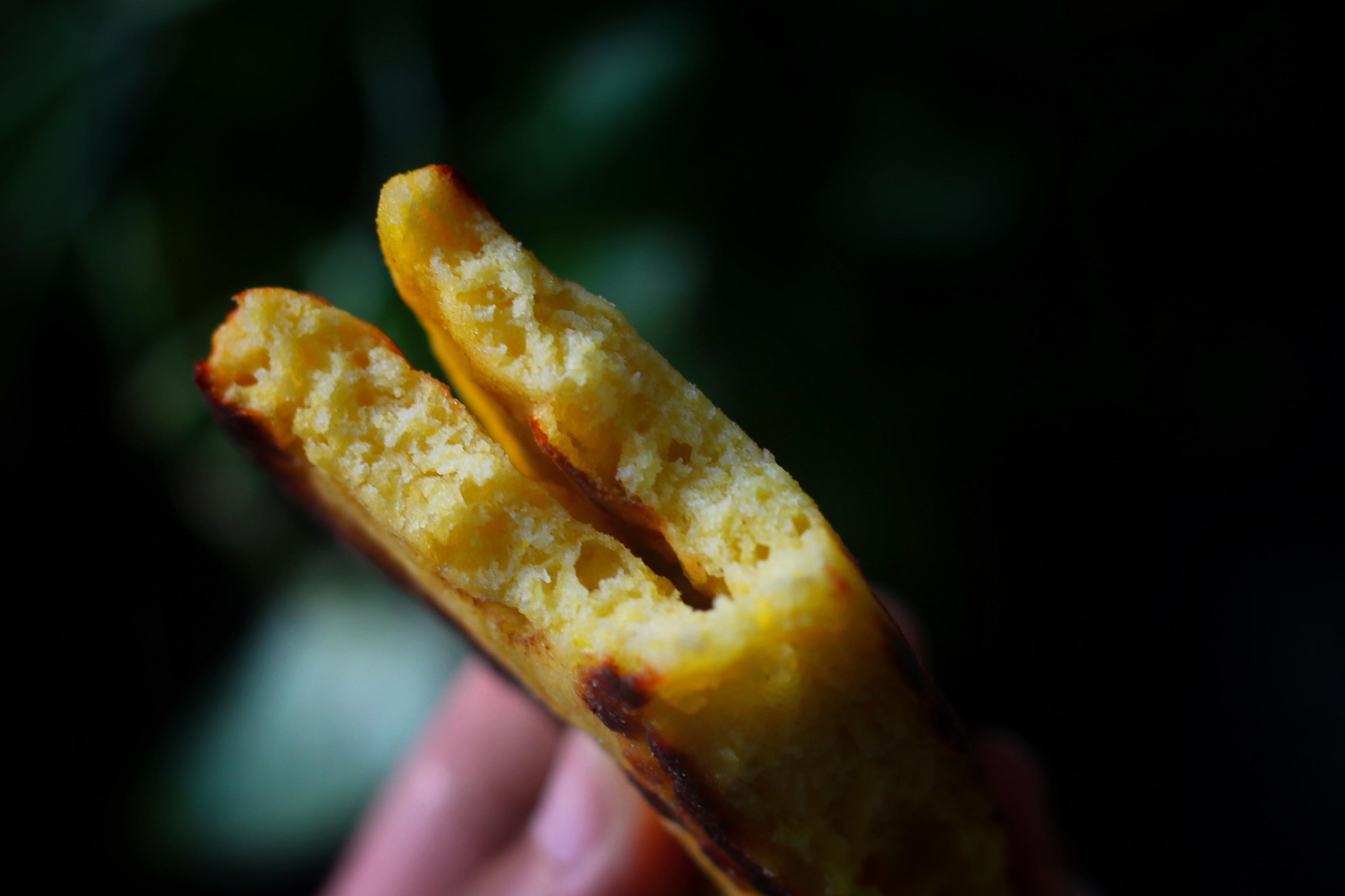 用南瓜做餅,又軟又香甜,如果不制止,孩子會拿起第三個第四個