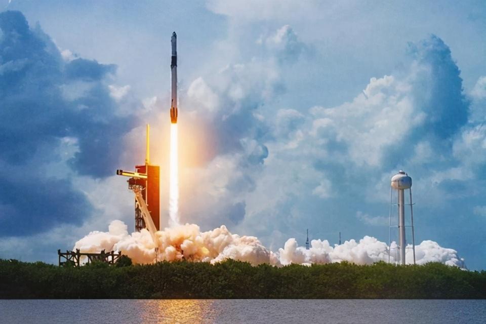 开掐!SpaceX申请修改星链项目许可,亚马逊强烈反对
