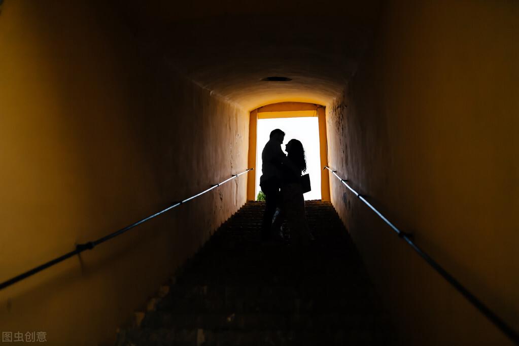 男人长期出轨一个女人,说明什么(男人长期出轨一个女人会是真爱吗)插图3
