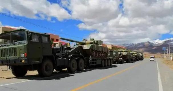 世界军用拖车系列一百:这型国产大力士帮58吨99式坦克上高原