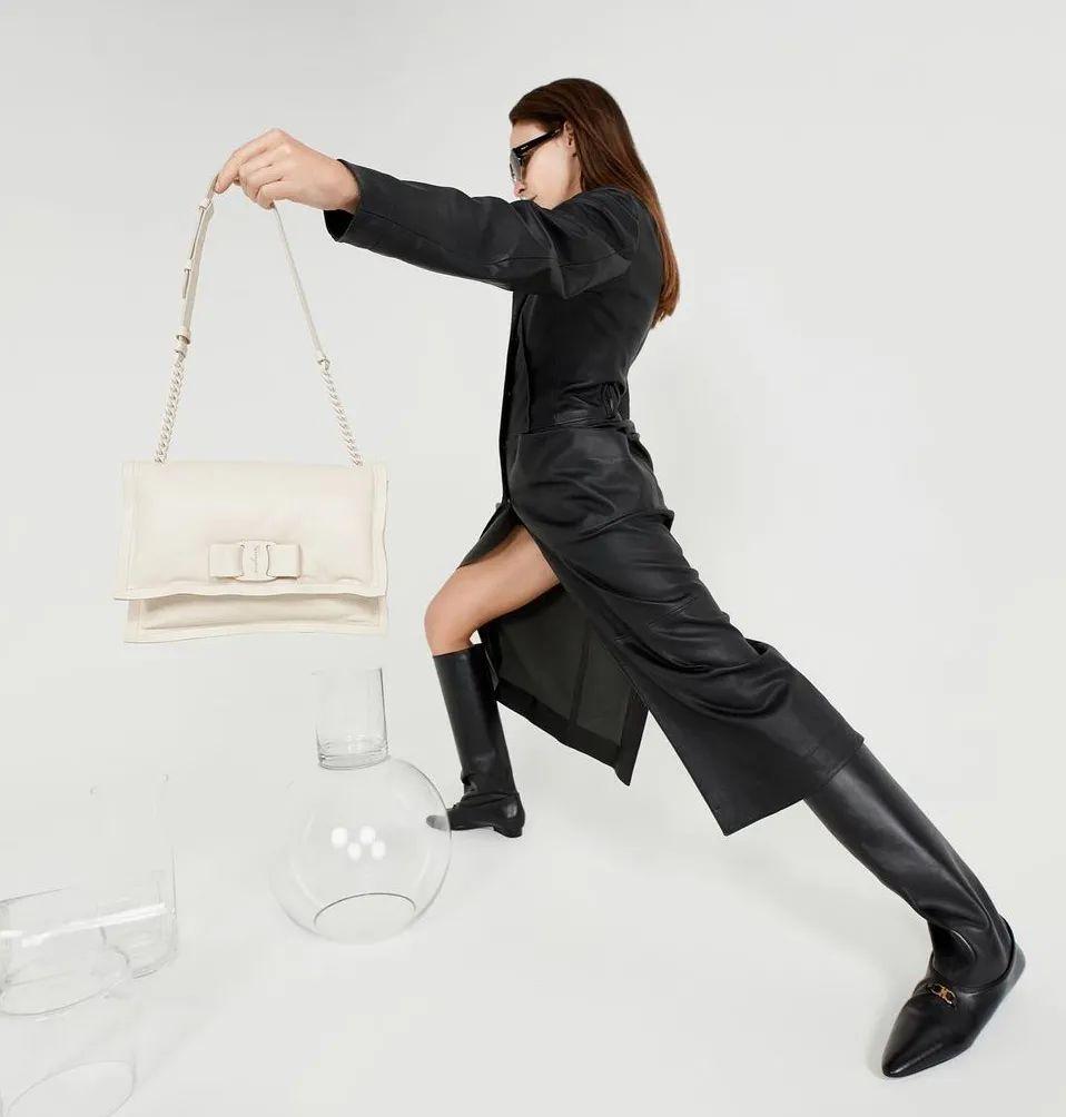 開春用裙子+靴子,美美的才有上班的動力