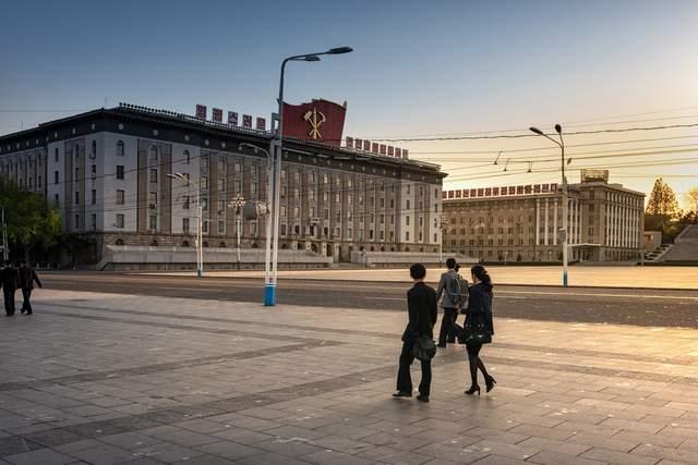 朝鲜人不买房也不买车,他们的钱用来干什么?