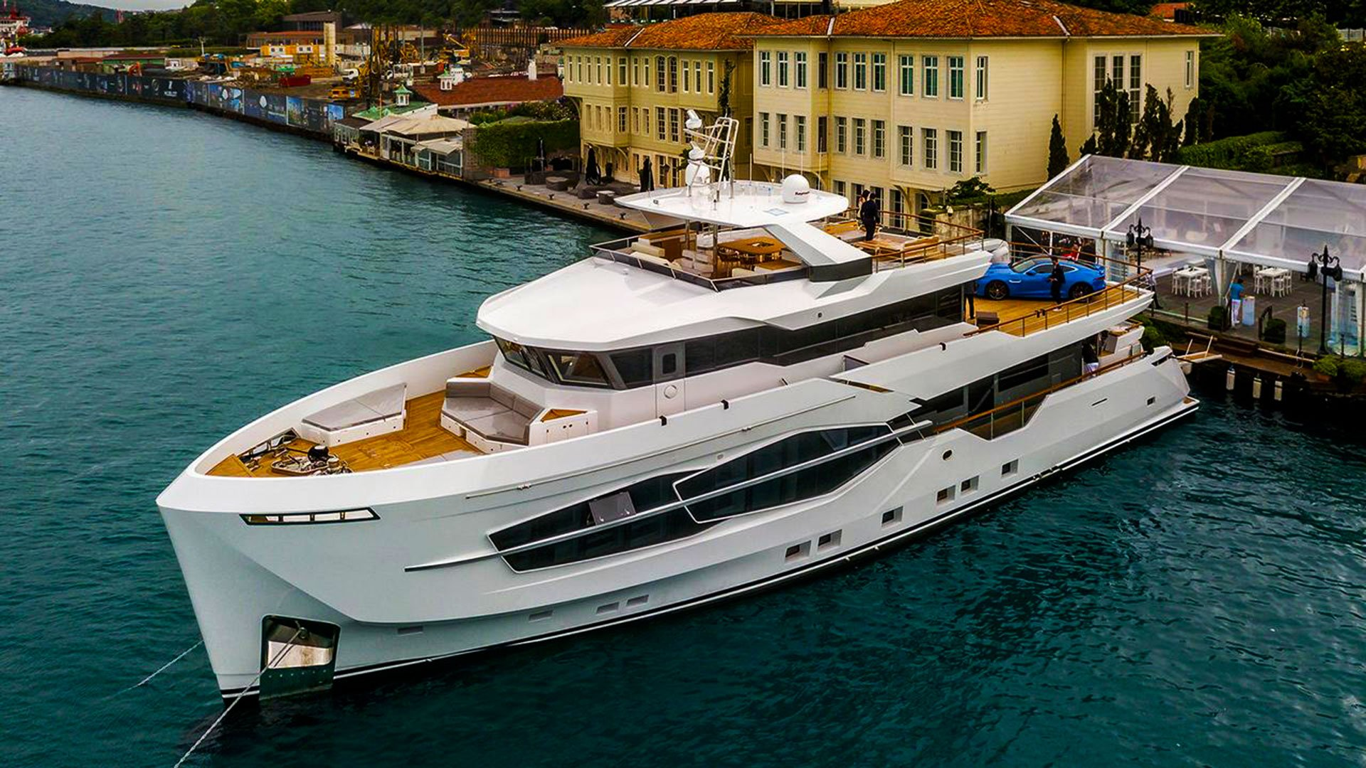 时尚骚气的土耳其「Numarine 32XP」探险游艇,4000海里超长续航