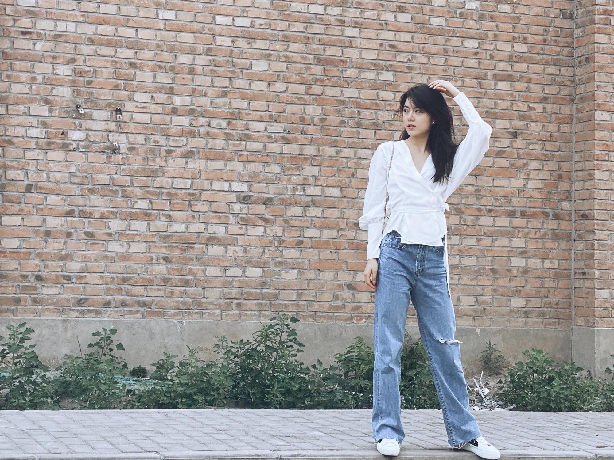 赵今麦的简约风穿搭,简单又显瘦,适合各种年龄的女生穿搭