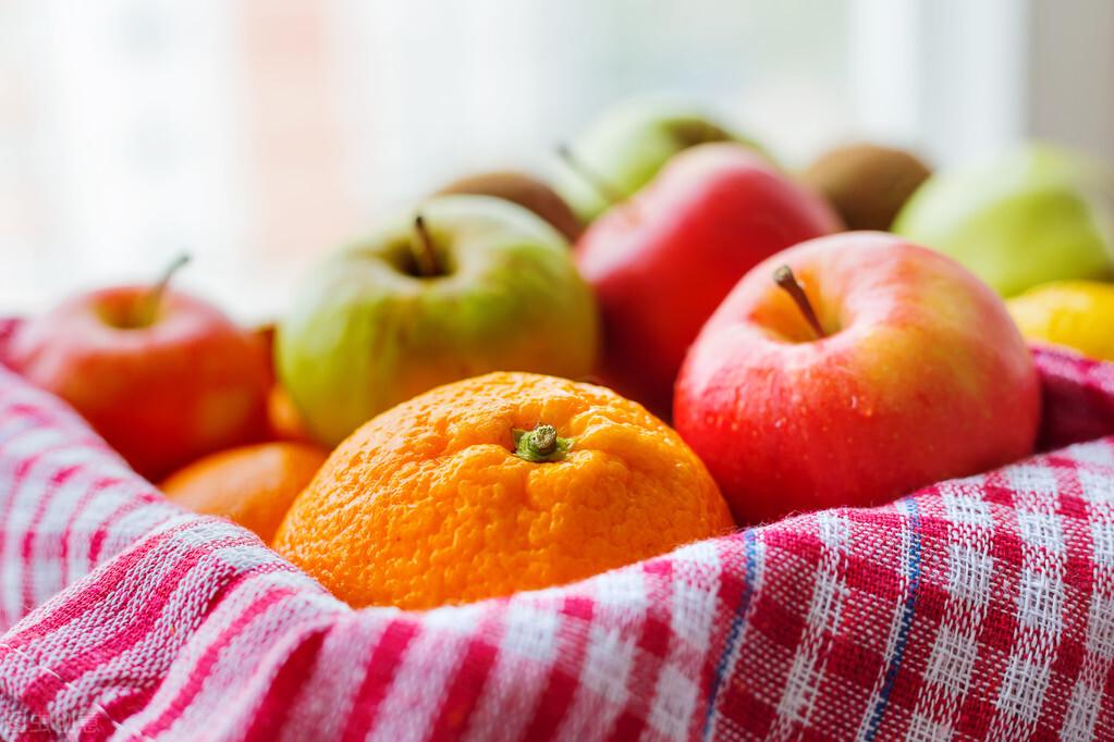 吃水果有无限的好处,那到底该餐前还是餐后吃呢?