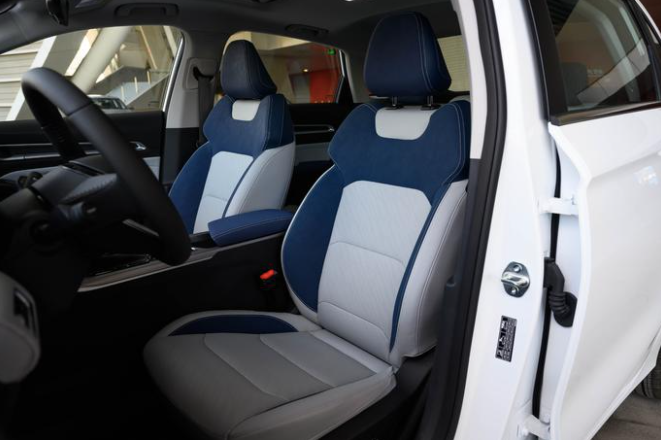 变身科技范儿 第4代帝豪将于8月28日上市 预售8.7万起