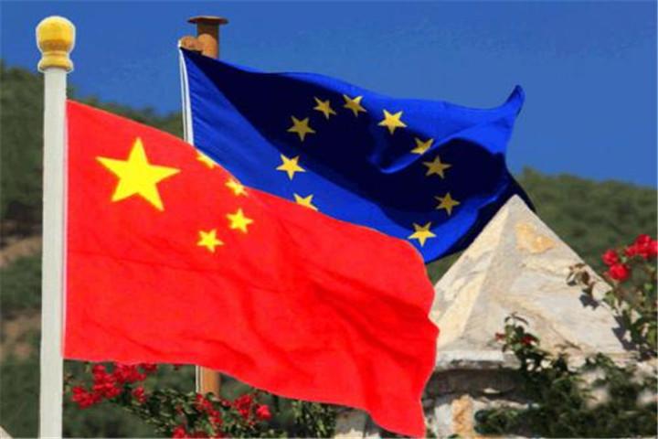 """马克龙高举""""欧洲防务独立""""的大旗,中国公开态度:支持"""