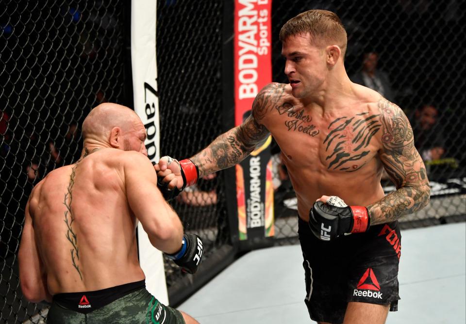 嘴炮职业生涯首次惨遭KO,让钻石踢瘸成转折点,体能不支被翻盘