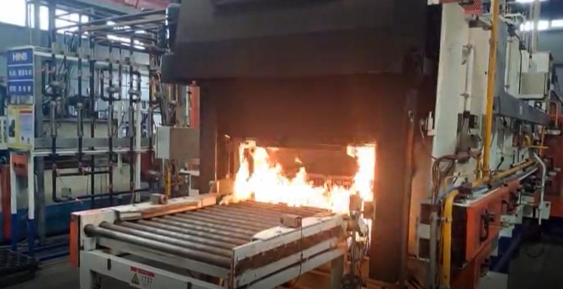 轴承钢高浓度氮化热处理和寿命评价