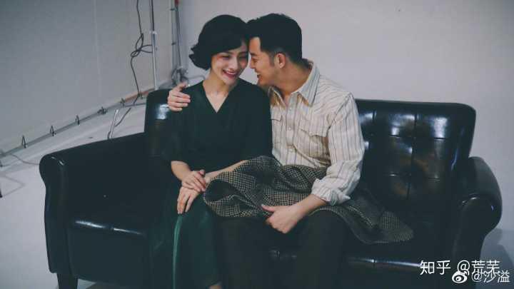 安吉彈鋼琴為媽媽慶生,胡可欣慰感動,小魚兒貼心為哥哥錄像