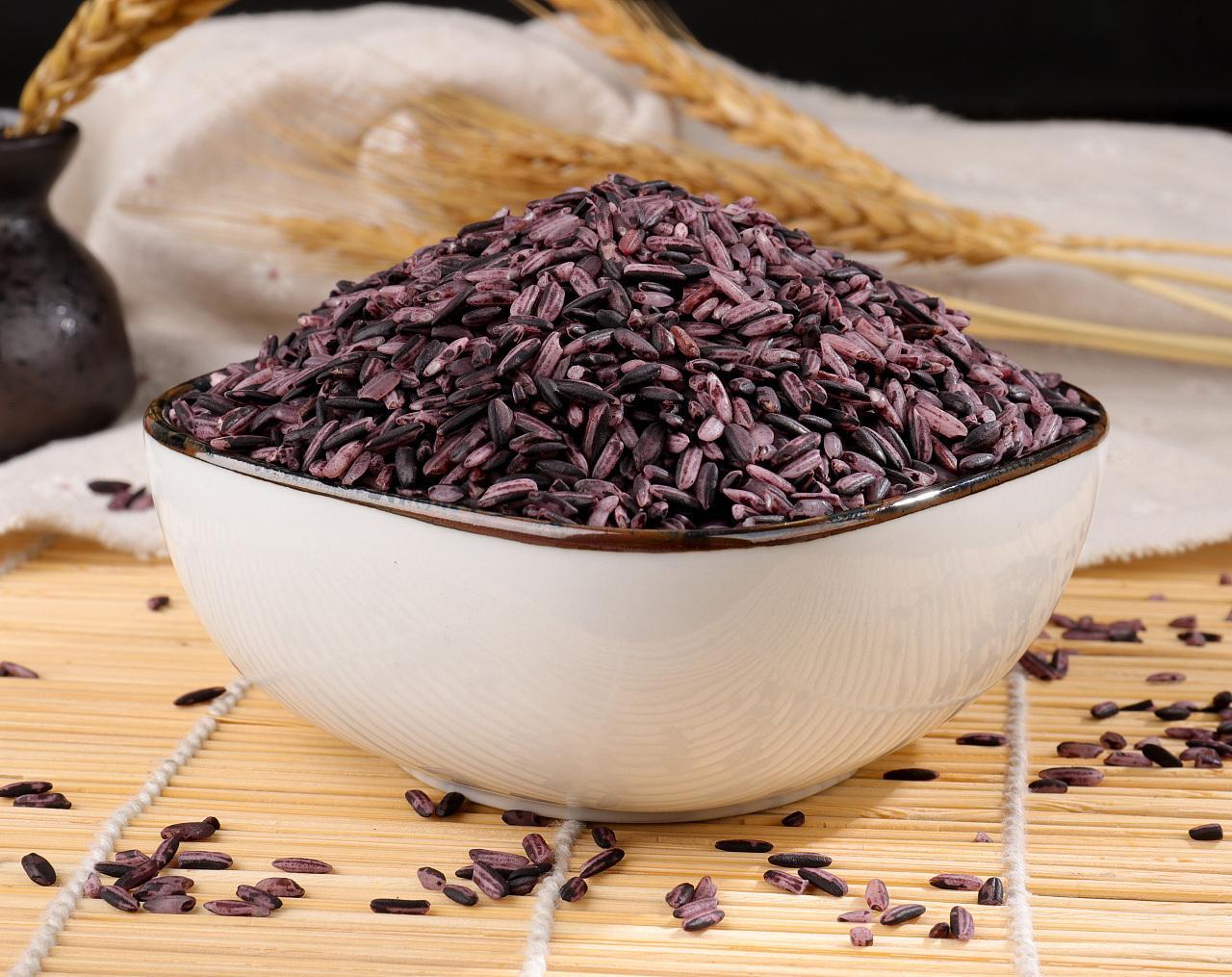 黑米、紫米、血糯米傻傻分不清,哪種口感更軟糯? 哪種熱量更低?