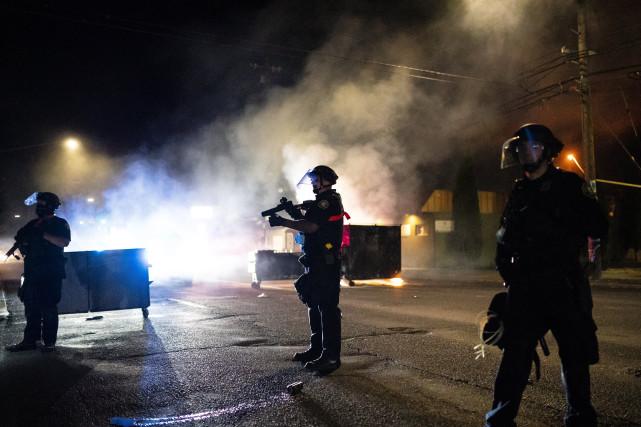 1000名特朗普支持者涌入波特兰!抗议人群中发生暴力冲突,1人被杀