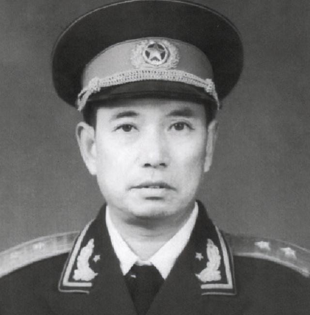 塔山阻击战,吴克华说敌人11个师,林彪发怒:守不住我要你脑袋