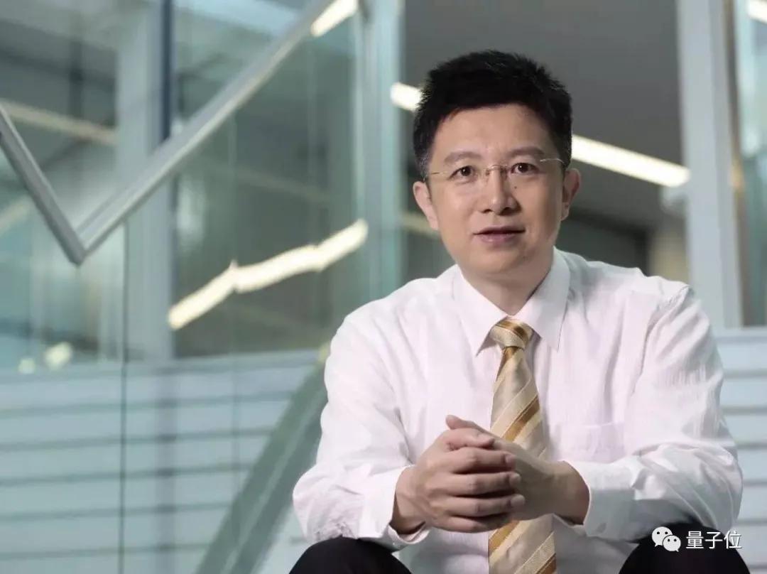 11年架构AI技术江湖,李彦宏:哪怕1块钱都会投进技术里