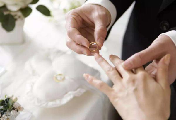 致自己结婚纪念日短句(结婚纪念日的真实句子)