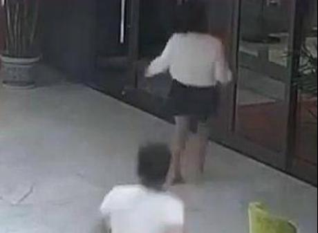 男子称妻驾考后与教练喝酒,凌晨酒店身亡,警方排除他杀