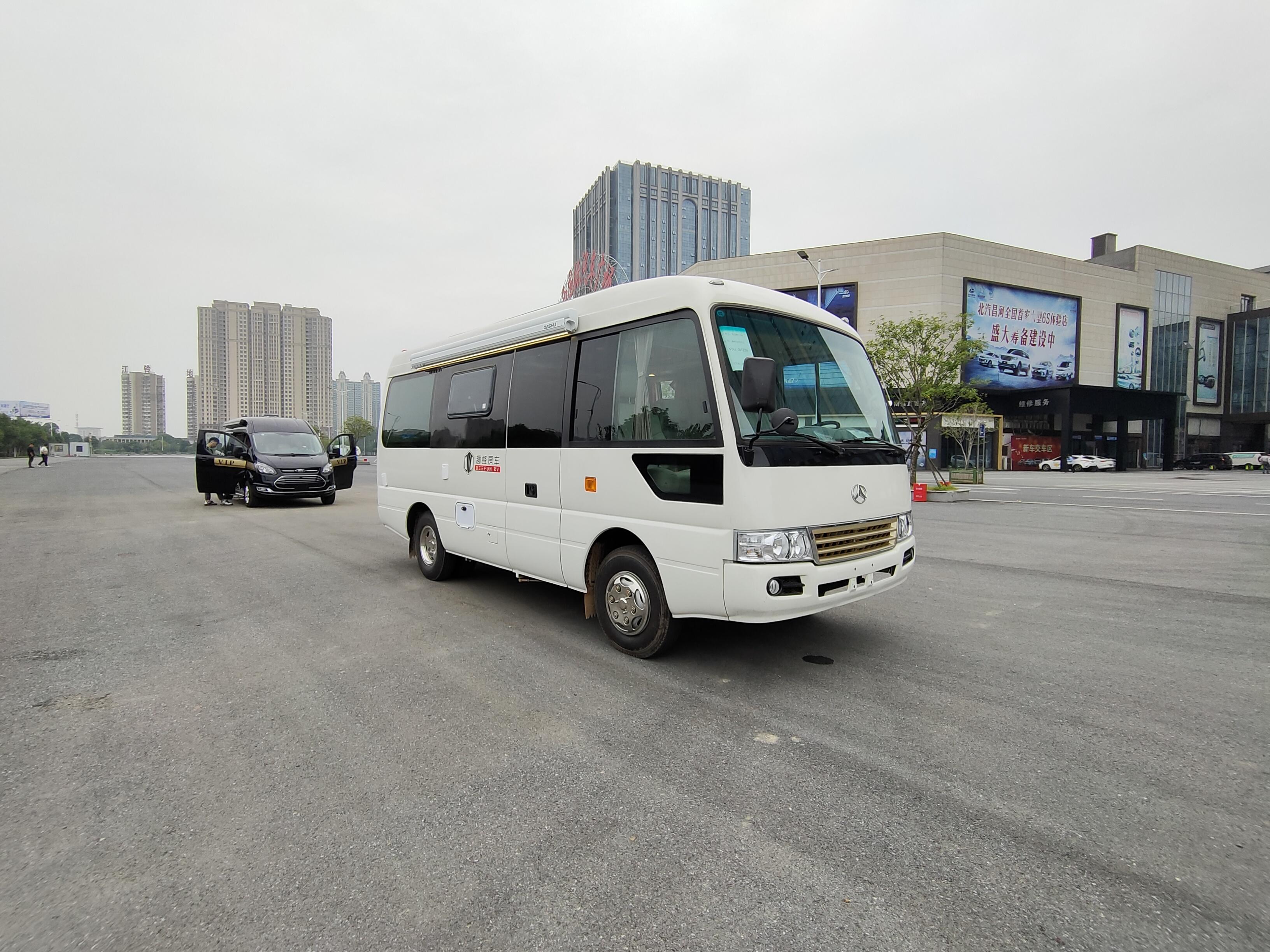 趣蜂江铃罗莎房车,空间最大的B型房车,蓝牌C1驾照就可以驾驶