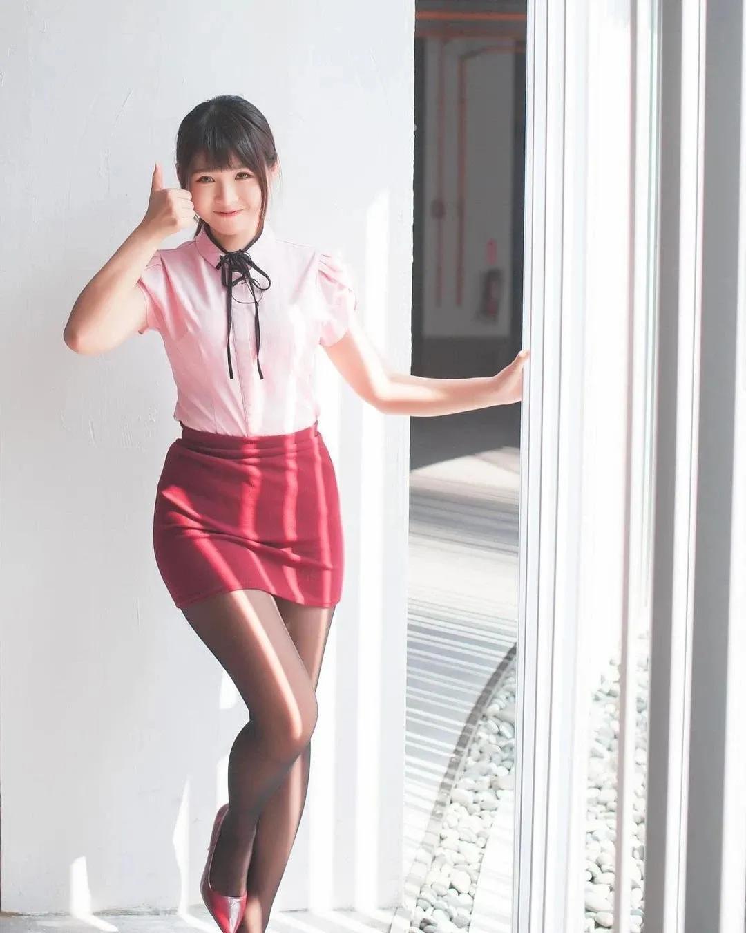 极品女神!JK、OL制服、Cosplay、清纯性感百变美少女