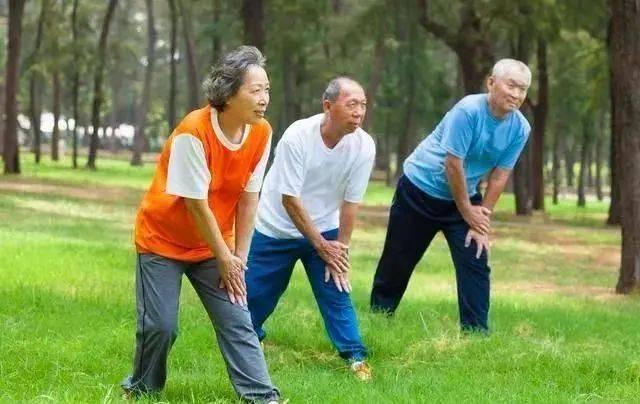 上了年纪,是静养,还是运动好?医生:这种类型的运动,延长寿命