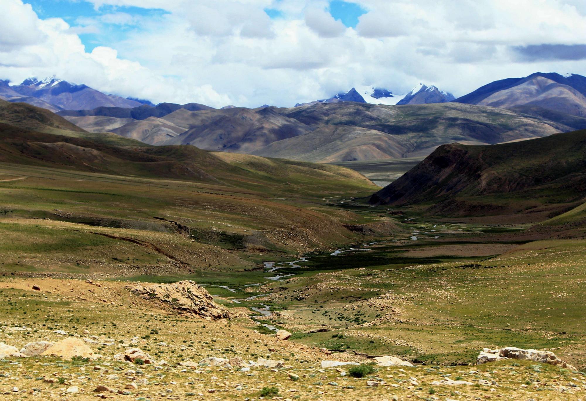 西藏旅游遇见白色帐篷不能进?当地人说出实情:小心姑娘找你摔跤