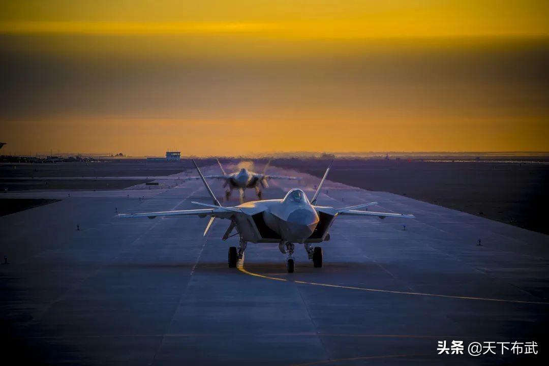 歼-20压力山大,日韩大量接收F35,我国周边五代机已超百架