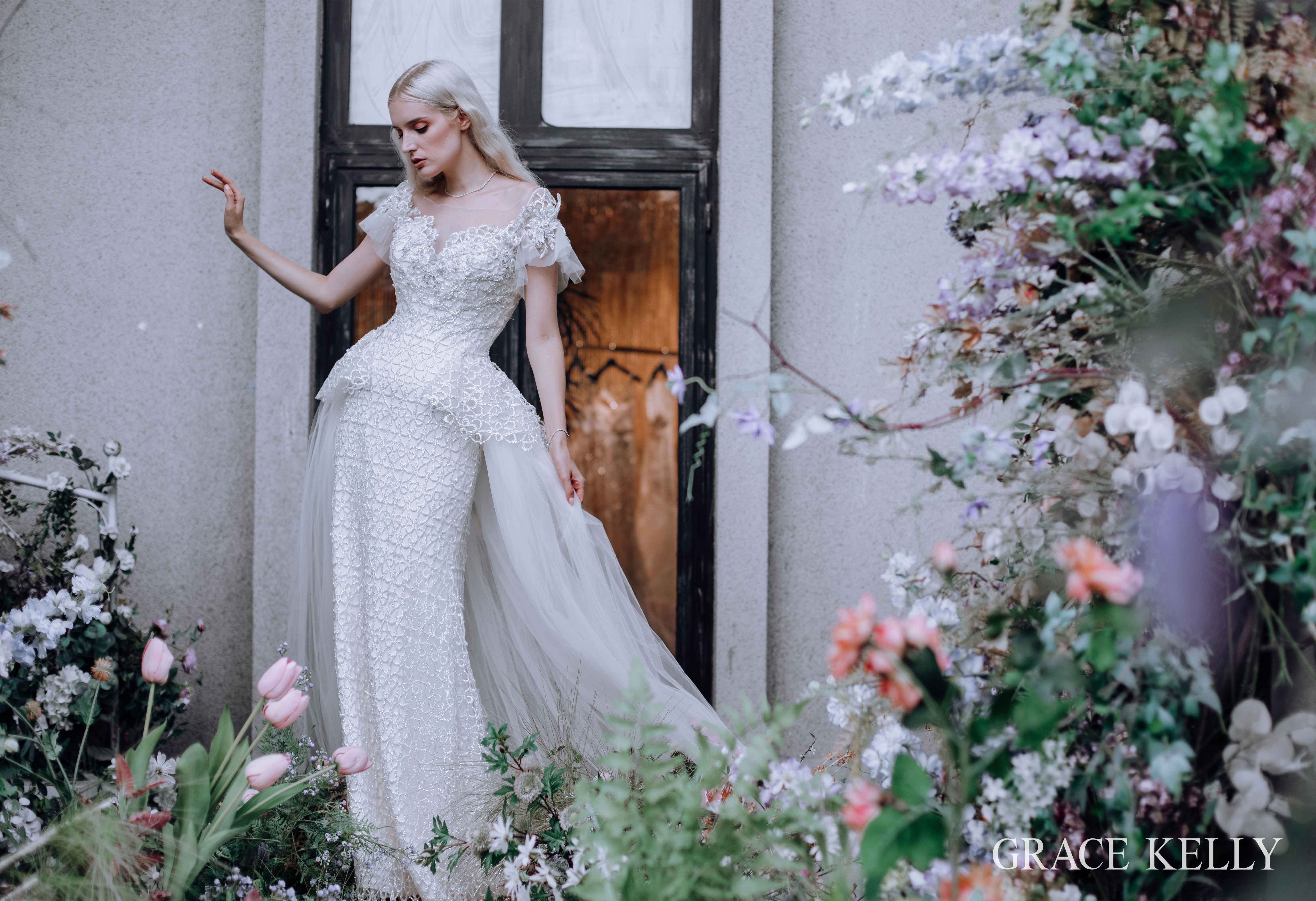 GRACE KELLY全新系列婚纱奢华亮相