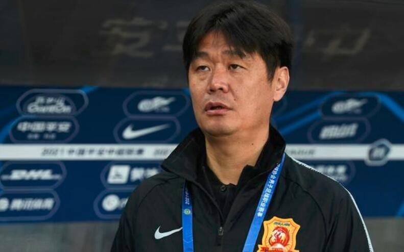 李宵鹏:武汉队表现没有长春亚泰好,运气不好可能会是输球的一方
