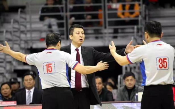 官宣,中国篮球承认作弊闹剧,被国际篮联抓现行,姚明需做出解释