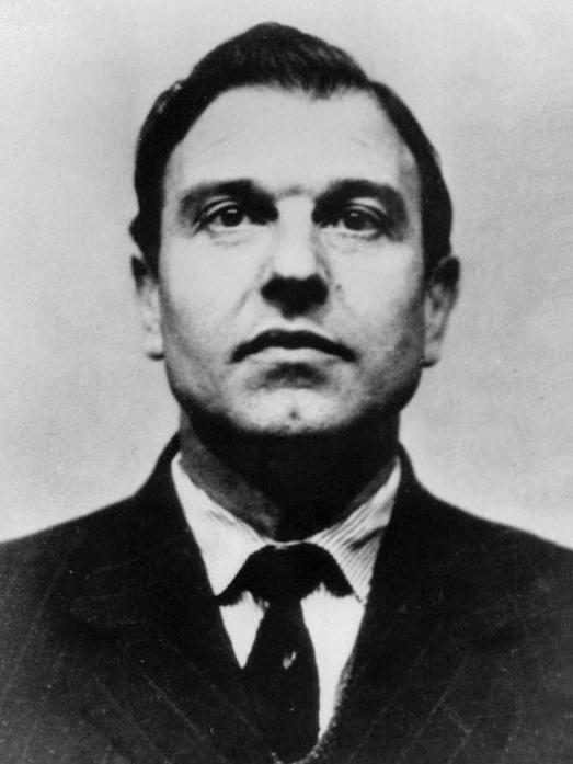 传奇双面间谍布莱克:一招致使英美损失惨重,两度羞辱英国政府