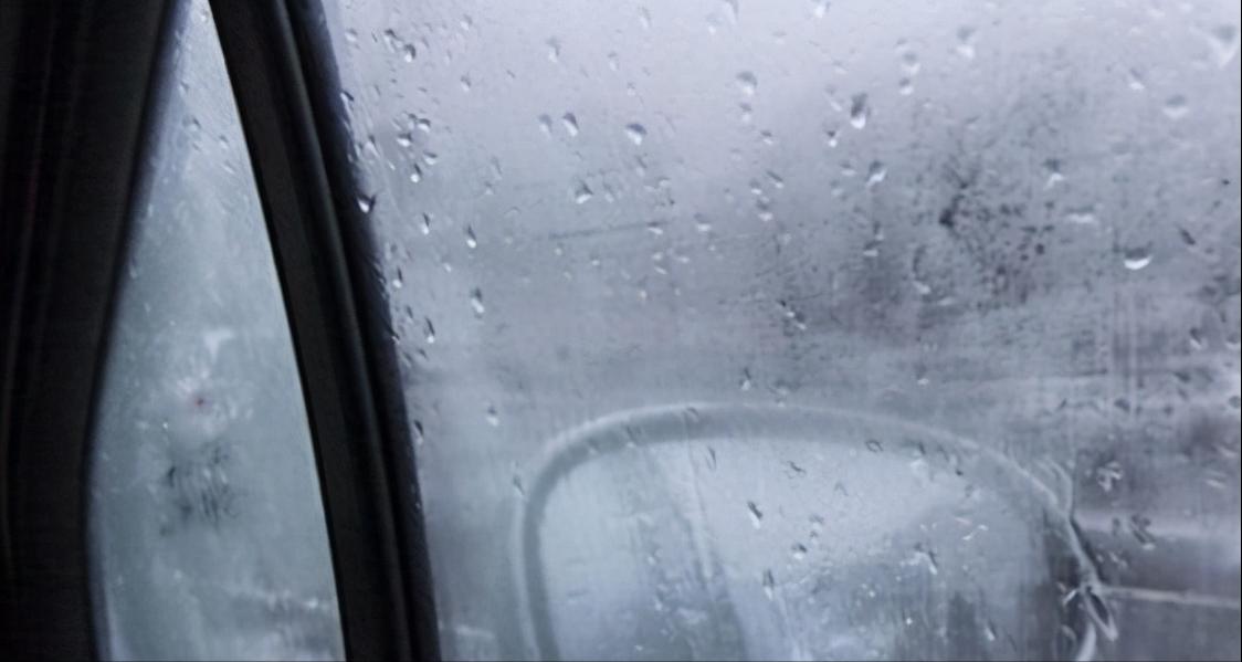 冬天开暖风用内循环还是AC?怎样开暖风车里不起雾
