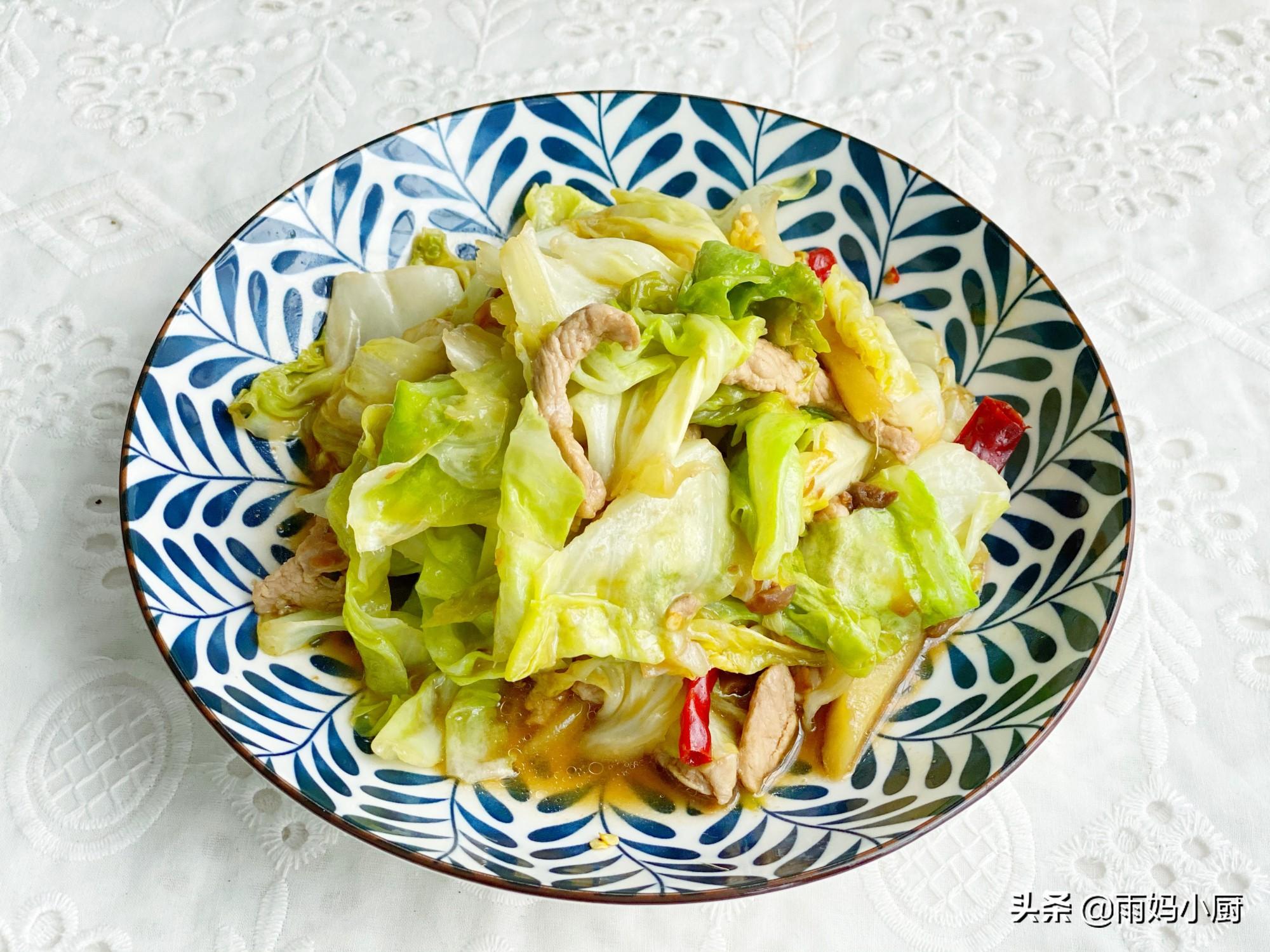 包菜炒肉最家常快手的做法,醬香美味又下飯,上桌一掃而光
