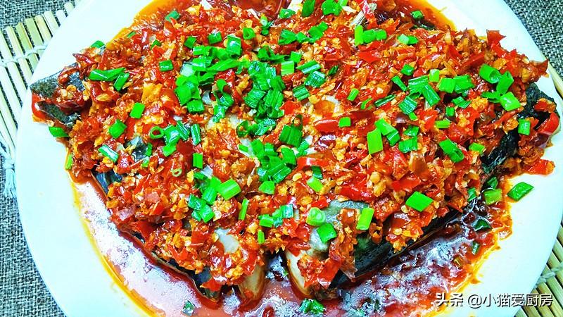 """我喜欢的""""剁椒鱼头"""" 用泡辣椒做的 味道很好 春节少不了"""