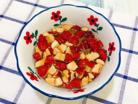 桂圆红枣粥做法  每天坚持吃5颗精神饱满过秋天