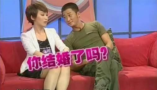 吴京谢楠又吵架了,男方气得摔东西,女方委曲求全惹争议