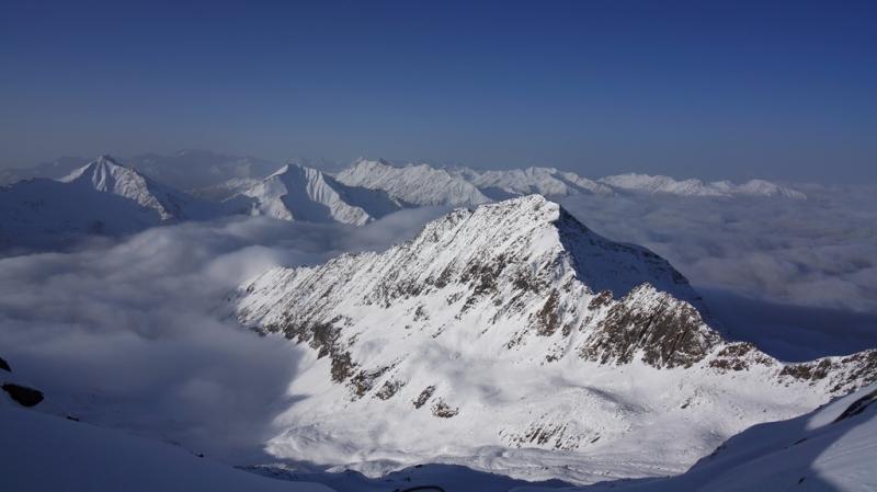 有些山,只是站在山下,而不走上去看看,你就不知道它有多美