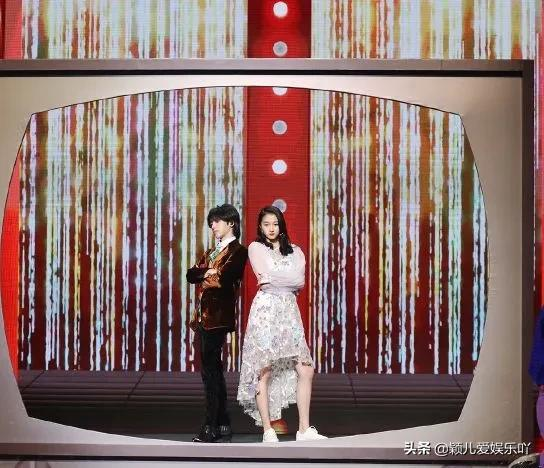 华晨宇化身妖娆霸气的护花舞者,掀起《王牌对王牌》节目舞台风暴