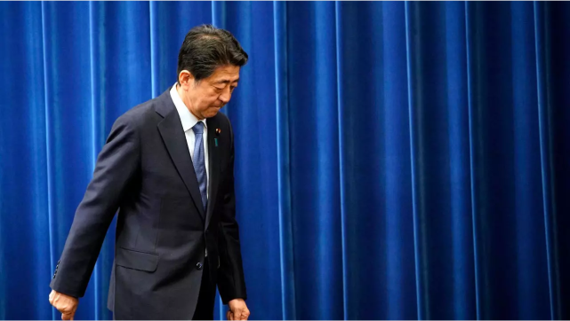 """安倍辞职后,日本首相""""宝座""""争夺战正式打响,已有两人暗示参选"""
