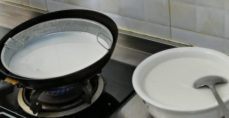跟着装台说西安—西安的特色美食之三秦套餐(1)凉皮