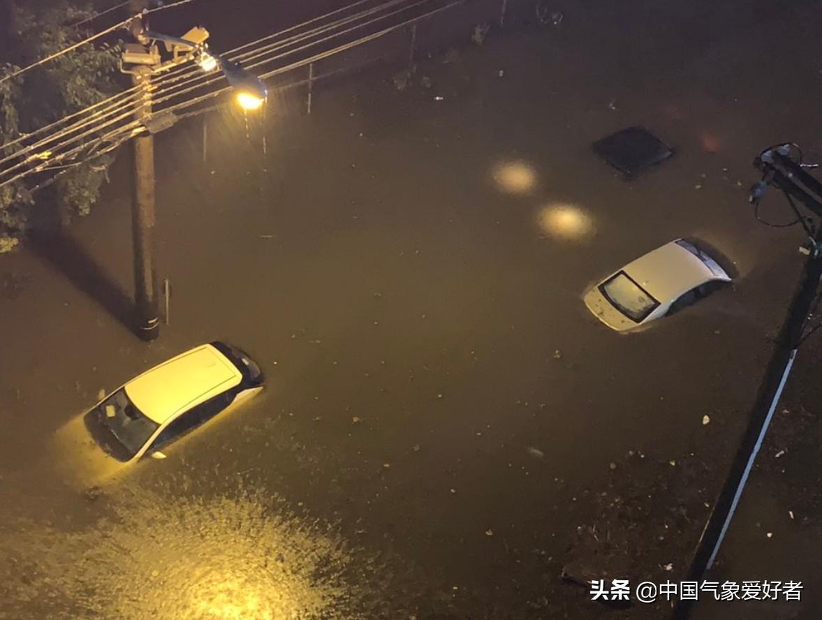 飓风艾达引爆超凶暴雨,纽约地铁多处进水!今年气候确实不正常?