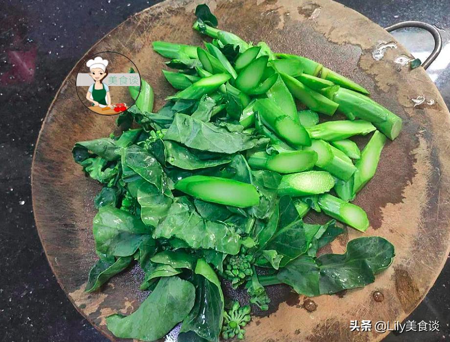 芥藍炒牛肉時,下鍋前多做一步驟,牛肉嫩滑入味,孩子愛吃又營養