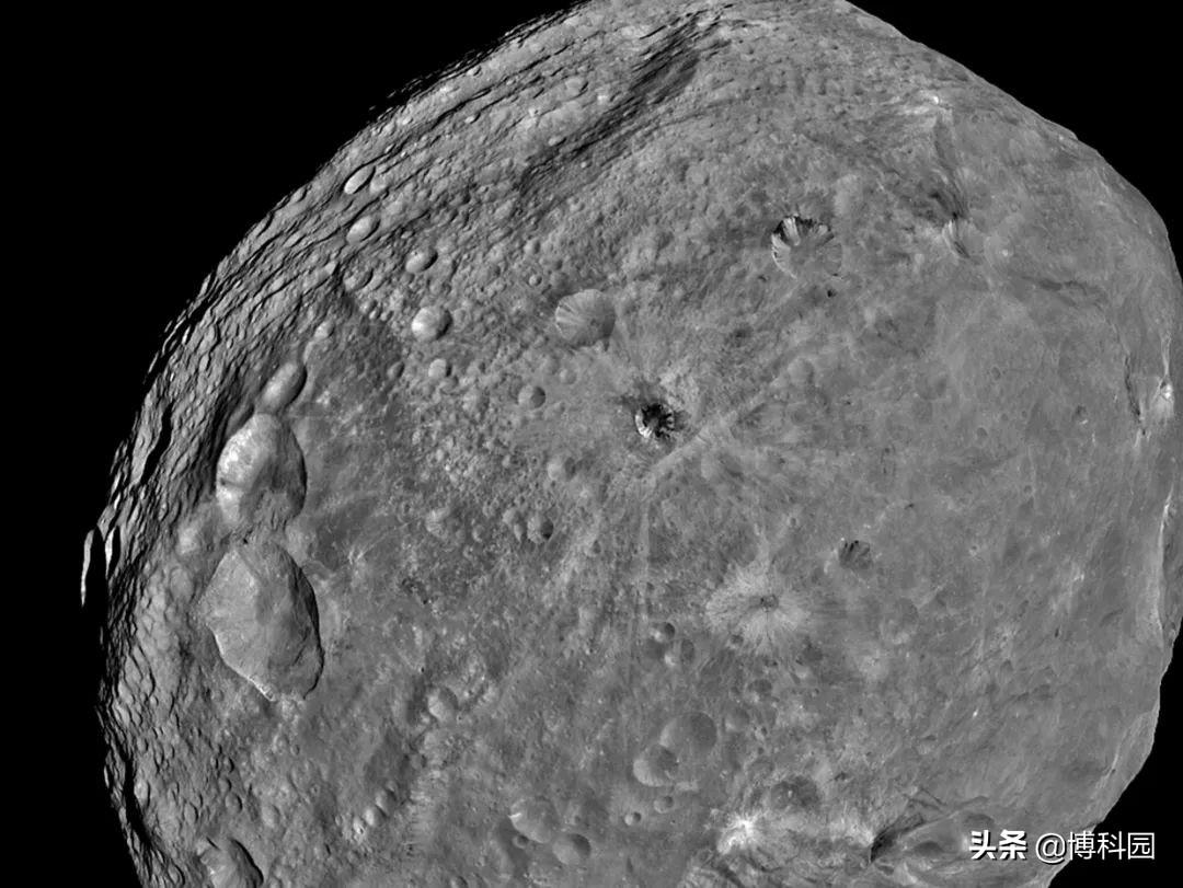 太阳系最复杂的小行星:既融化又未融化,还有液态金属核和磁场