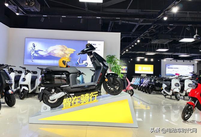 新日新一代汽車級鋰電池保5年落地終端市場