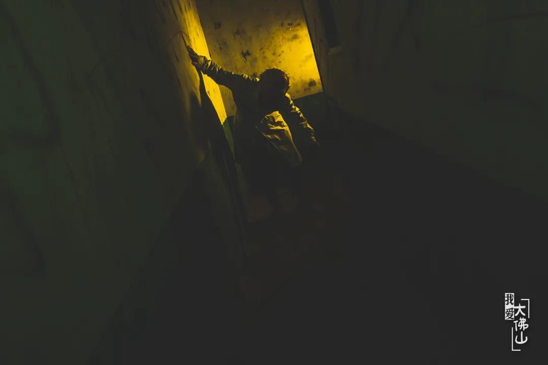 占地800㎡、沉浸式1:1实景真人「密室逃脱」,烧脑又刺激