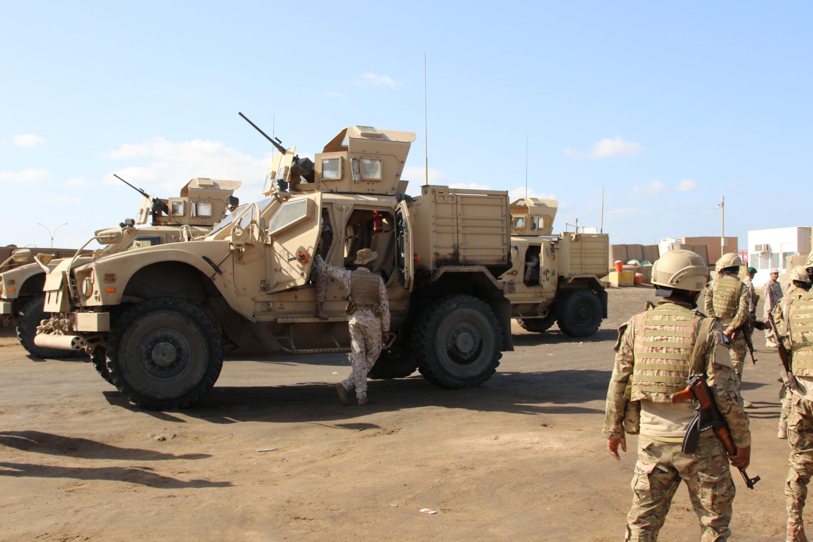 伊朗西北边界爆炸激战,成功挫败叛军入侵,缴获大批美制武器