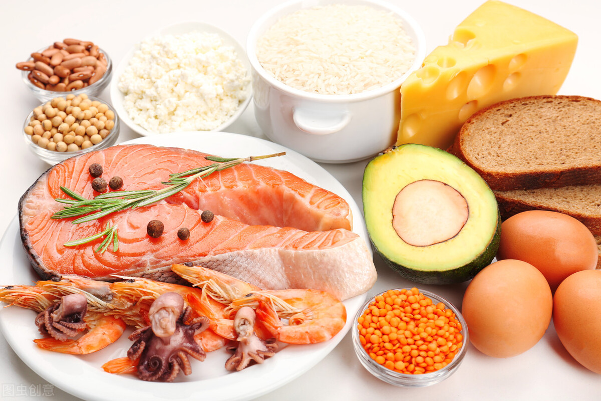 中老年人要注意饮食,3种伤胃食物要少吃,3种养生食物要多吃