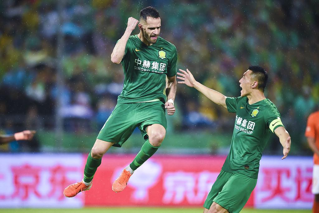 武汉卓尔vs北京国安:卓尔防守强硬,国安后防线不稳