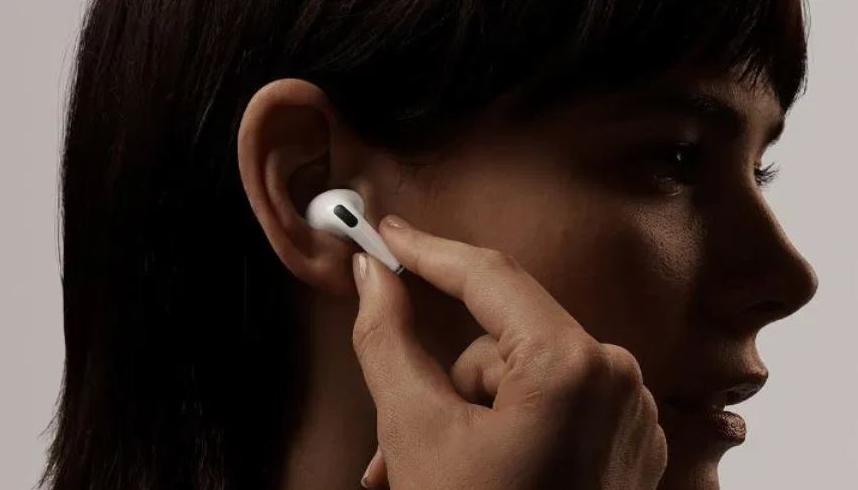 2020年无线立体声耳机同比增长90%  苹果第一小米第二